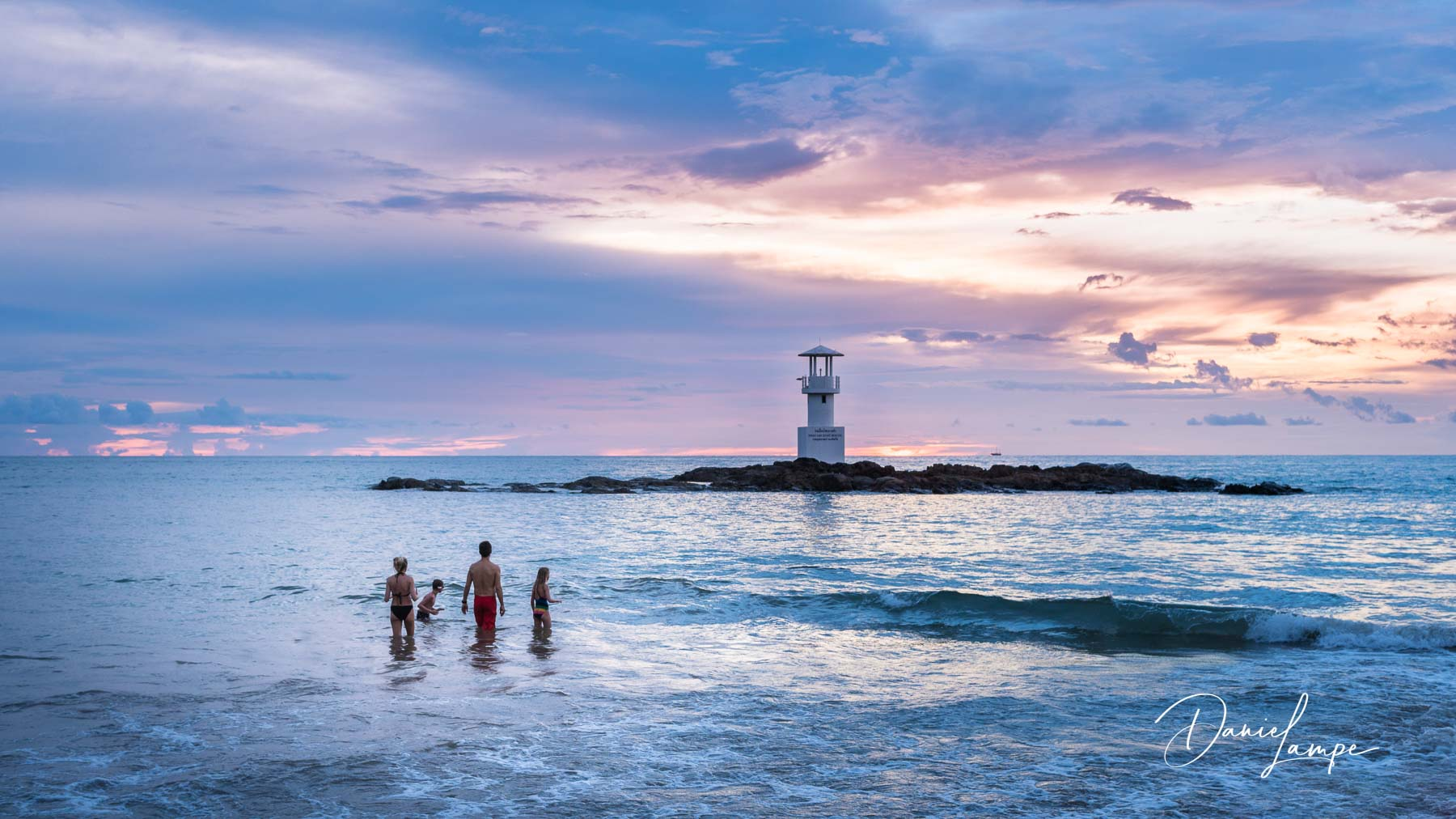 Thailand, Khao Lak, Sonnenuntergang, Meer, Leuchtturm, Baden, Familie