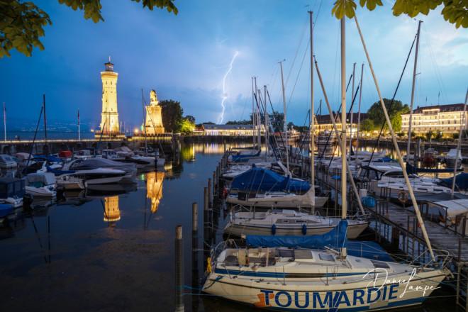 Deutschland, Bodensee, Lindau, Hafen, Abendstimmung, Gewitter, Boote, Blitz